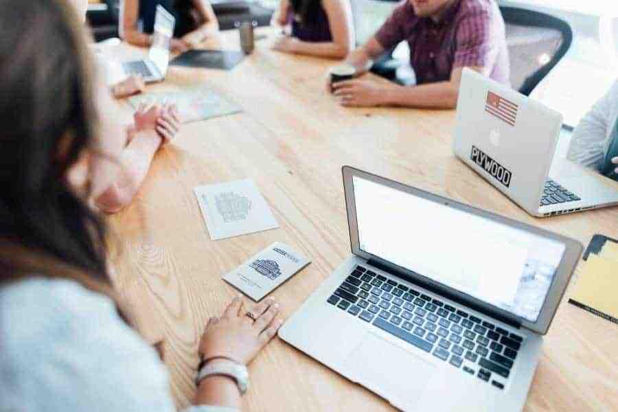 trabajo equipo agencia digital 900x600 - Agencia Digital